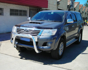 Toyota Hilux 09.11-on 76mm LO Rise Nudge Bar 4